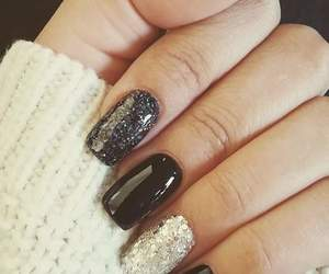black, glow, and nails image