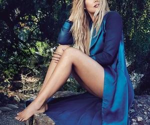 khloe kardashian and girl image