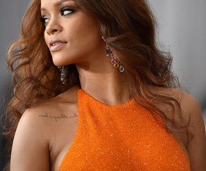 rihanna and grammy image
