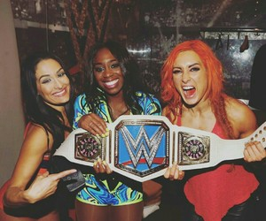 naomi, wwe, and nikki bella image