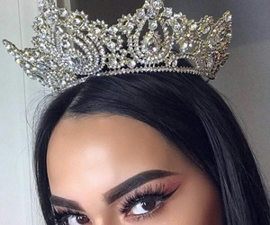 makeup, girl, and Queen image