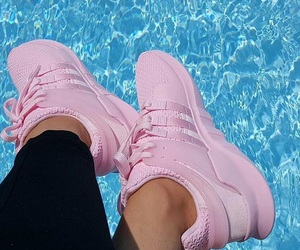 nike, running shoes, and pink sneakers image