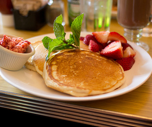 pancakes and strawberries image