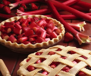 food, strawberry, and pie image