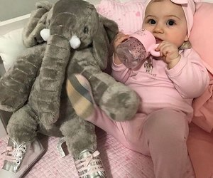 i love this baby, she's goals, and i could have it image