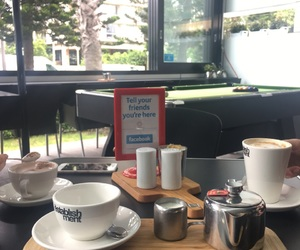 surfers paradise and tea time image