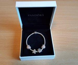 bracelet, gorgeous, and jewellery image