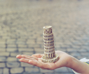 italy, Pisa, and hand image