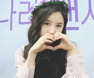 kpop, loona, and heejin image