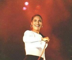 singer, beautiful, and selena quintanilla image