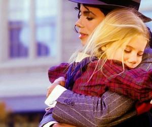 michael jackson, hug, and king of pop image