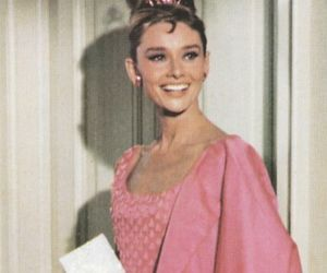 audrey hepburn, pink, and Breakfast at Tiffany's image