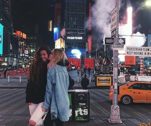 new york, friendship, and girls image