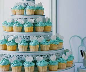 blue and cup cake image