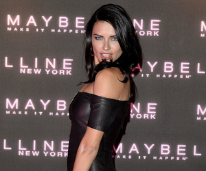 Adriana Lima, hair, and clothes image