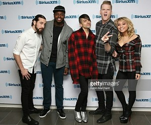smile, fcute, and pentatonix image