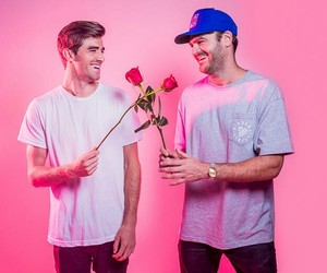 dj, the chainsmokers, and andrew taggart image