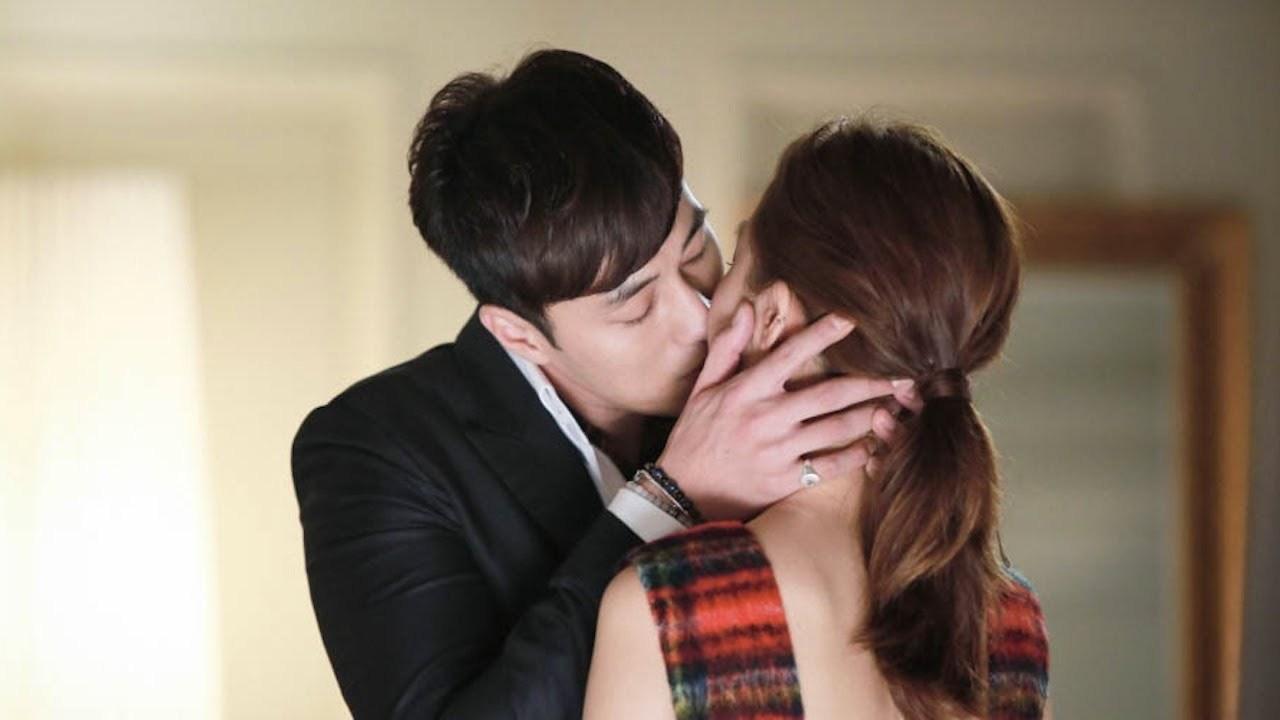 couple, Korean Drama, and kiss image