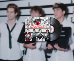 5 seconds of summer, michael clifford, and calum hood image
