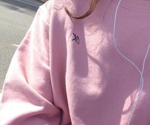 aesthetic, pretty, and sweater image