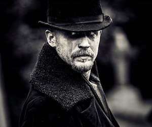 taboo, tom hardy, and james delaney image