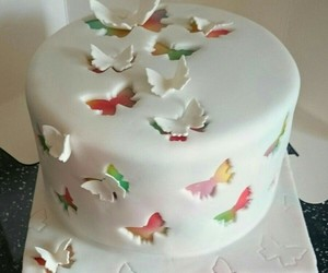 cake and butterfly image