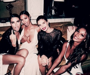 Adriana Lima, glam, and sara sampaio image