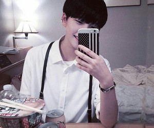 korean, boy, and ulzzang image