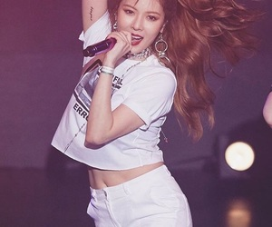 hyuna, 4minute, and a-ing image