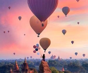 balloons and travel image