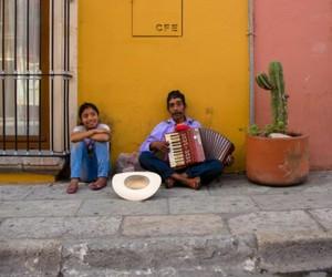 amor, oaxaca, and pueblo image