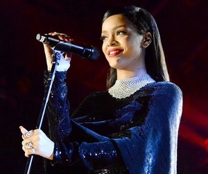 concert, perfection, and rihanna image
