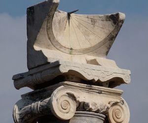 art, sundial, and pompeii image