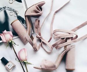 aesthetic, minimalism, and roses image