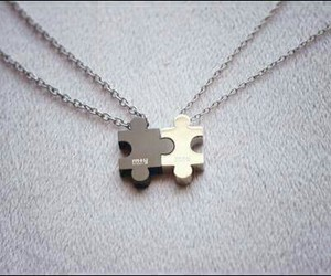necklace and couple image