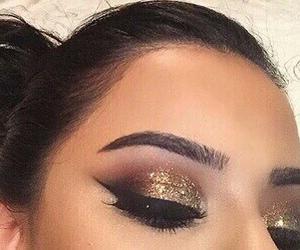 eyeliner and eyeshadow image