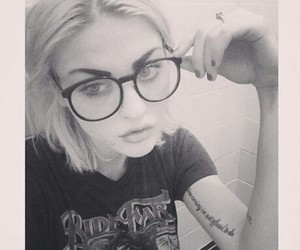 90s, bnw, and glasses image
