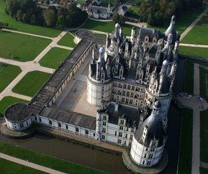 castle and chateau de chambord image