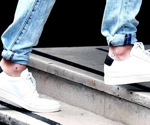 louis, louis tomlinson, and ankles image