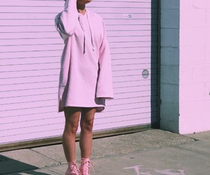 fashion, on the street, and pink image