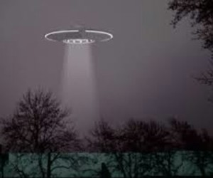 alien, space ship, and ufo image