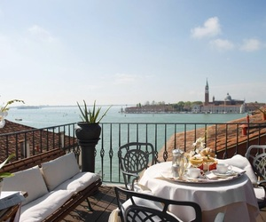breakfast, italy, and venice image
