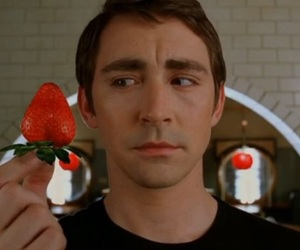 daisies, lee pace, and pushing daisies image