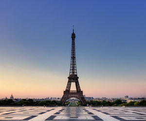 paris and toureiffel image