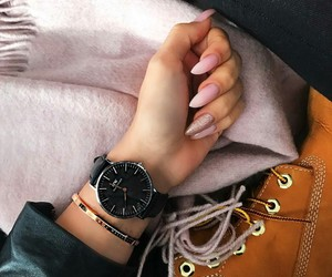 beige, timberland, and nails image