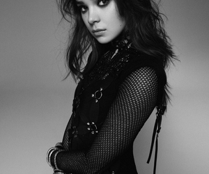 black&white, fashion, and hailee steinfeld image