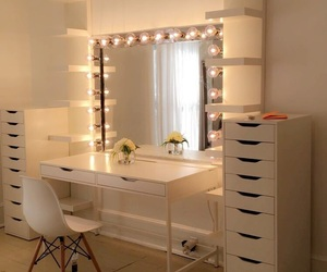 chic, clean, and girls image