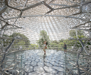 hive and kew gardens image