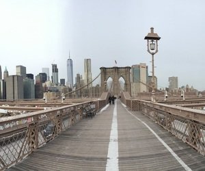 brooklyn bridge and manhattan image