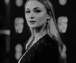 black and white, celebrity, and sophie turner image